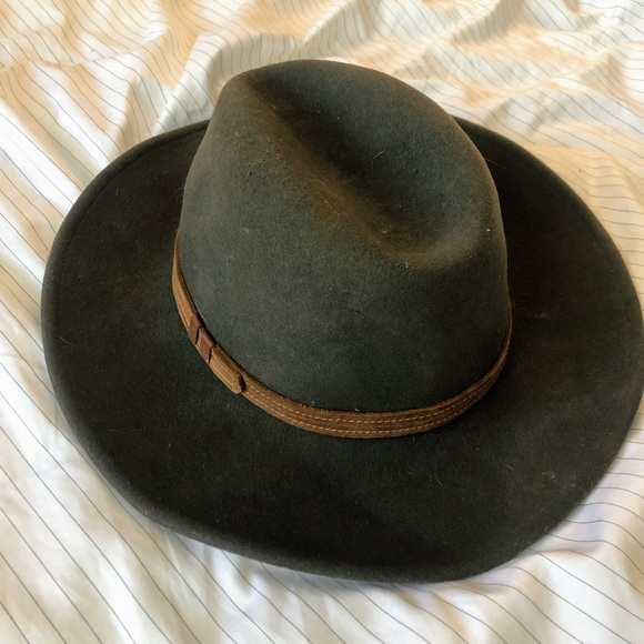 9a1be9a028b1e Urban Outfitters Ecoté Wide Flat Brim Hat. M 5ccb432819c1574cce298b6a